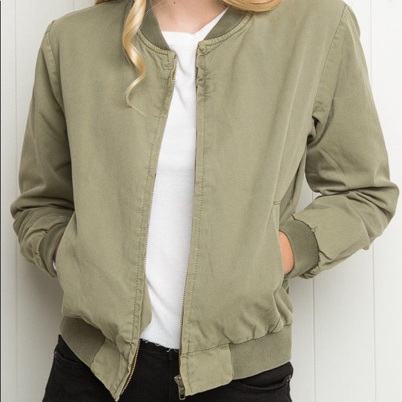 Brandy Melville Jackets & Blazers - Brandy Melville green bomber jacket military